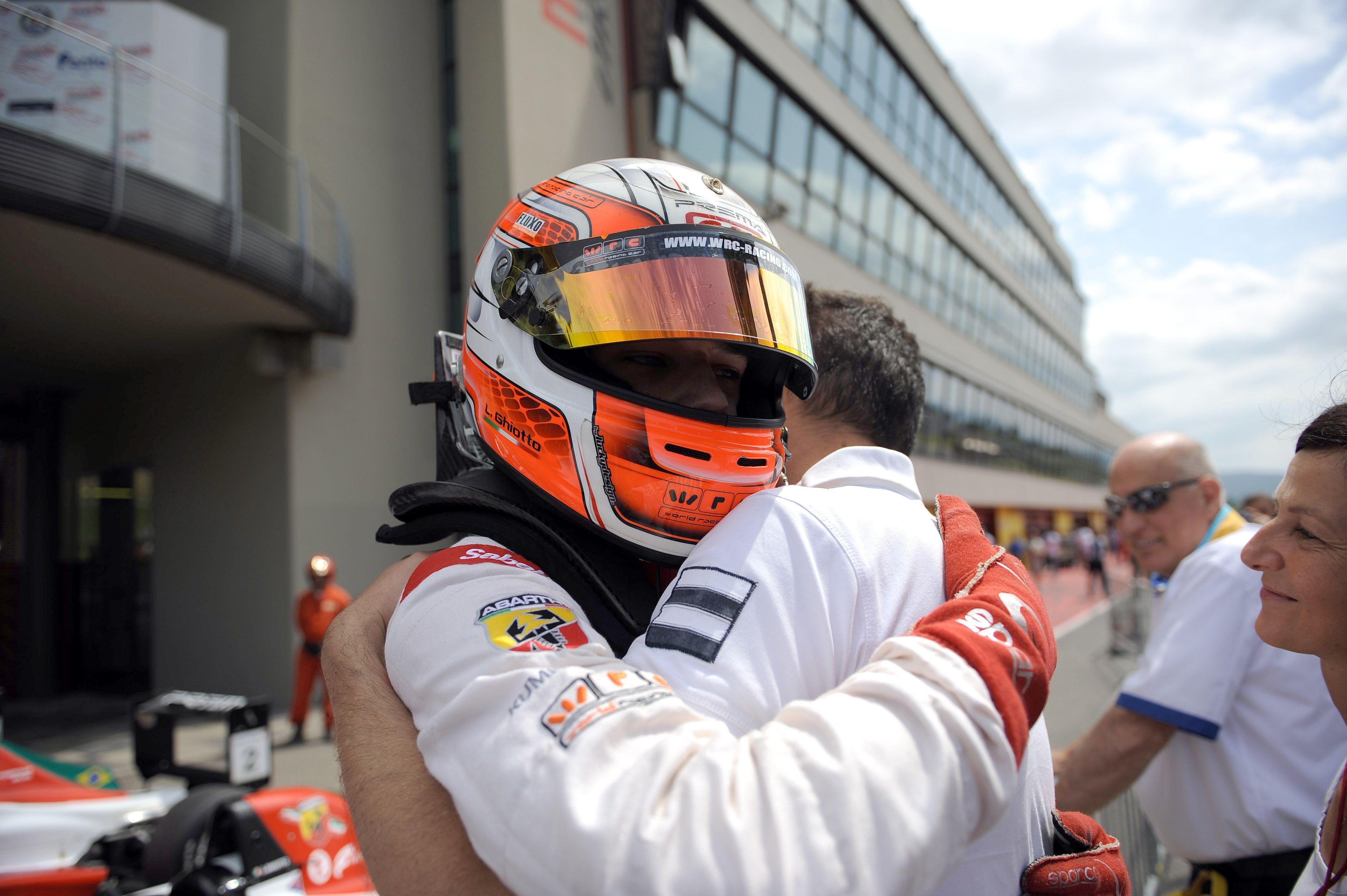 Position 2012 : Patch.5 live In pole position translation Italian English-Italian